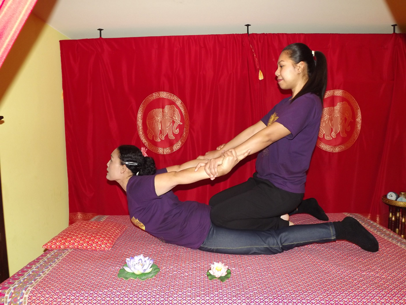 knulla horor thong thai massage